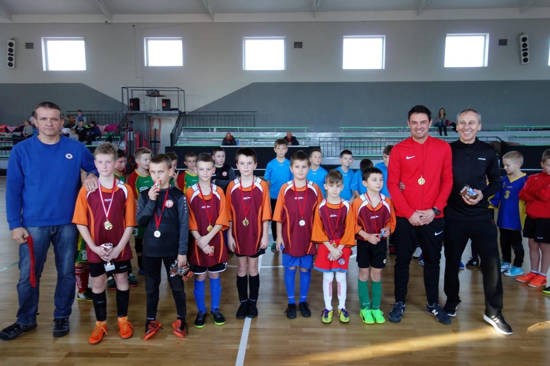 Ilustracja do informacji: Turniej Mikołajkowy o Puchar Burmistrza dla klas I-III Szkół Podstawowych zakończony